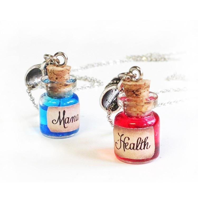 Tiny Health and Mana Potion Necklaces